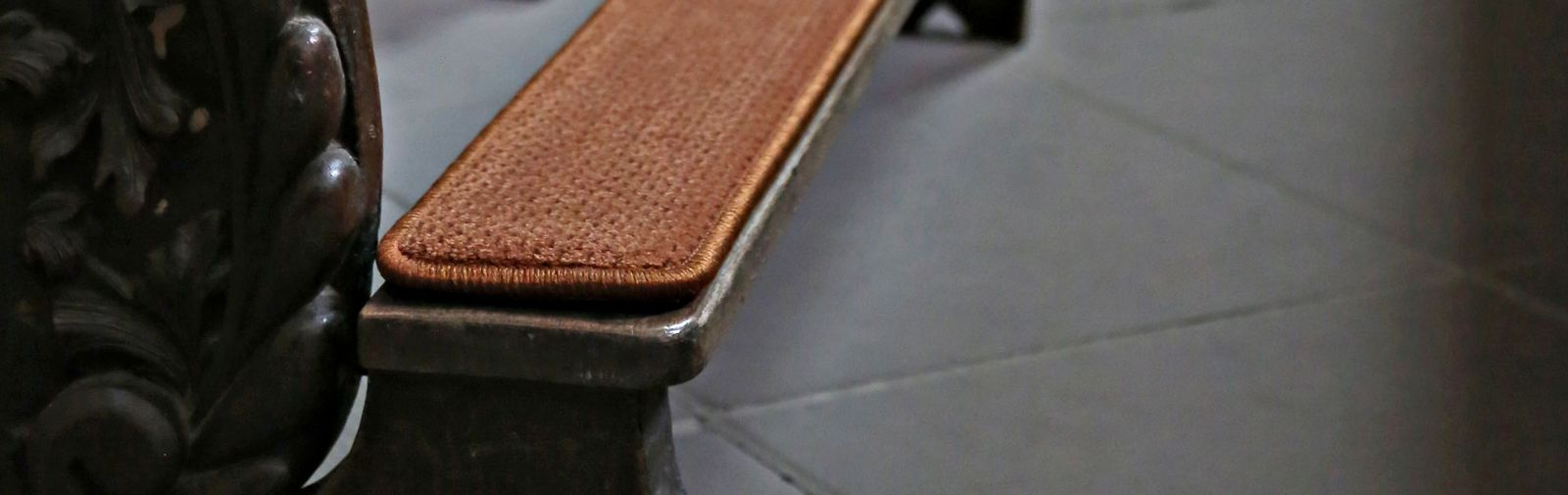 Kneeling bench hassock crushed velvet